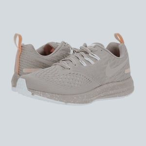 Nike Air Zoom Winflo 4 Shield Gray Running Shoes